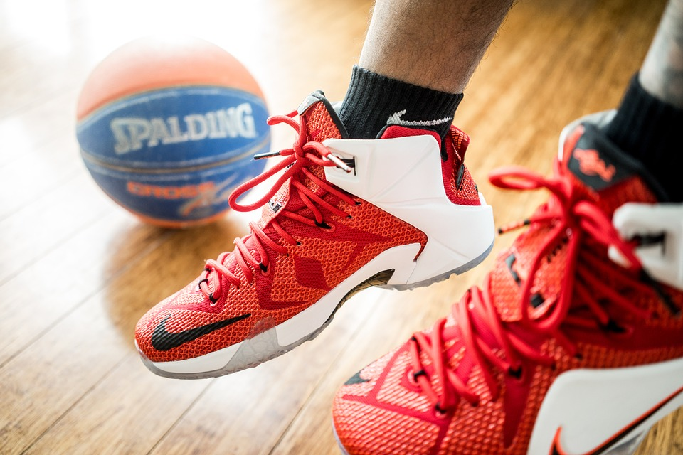 0c71410aa3a How To Buy Basketball Shoes  7 Tips To Keep In Mind - SportProvement