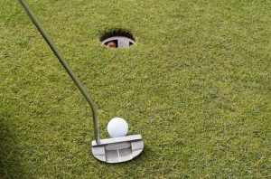 How To Line Up a Putter